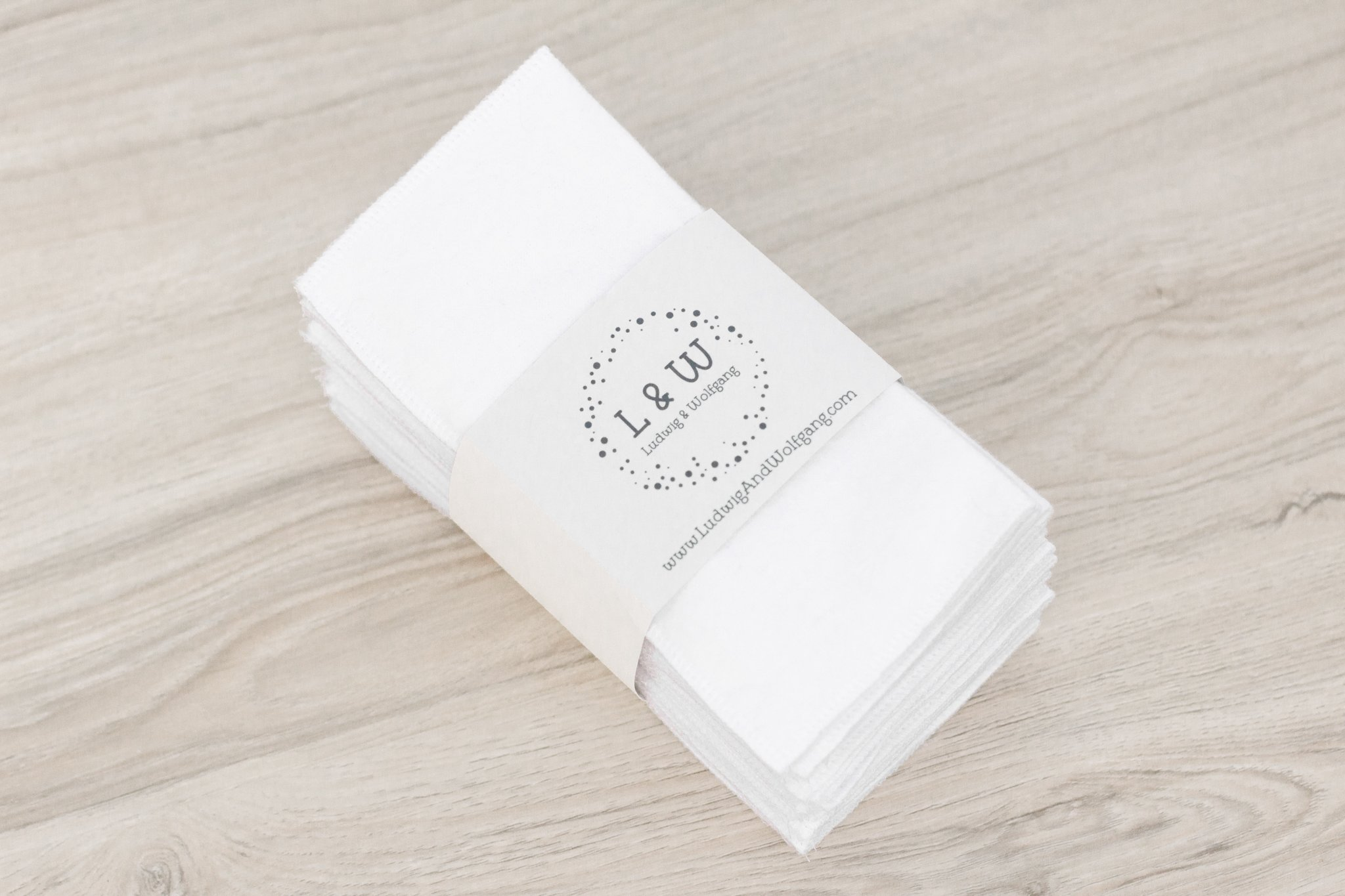 Bundle of Wipes (15 White, 2-Ply Flannel)